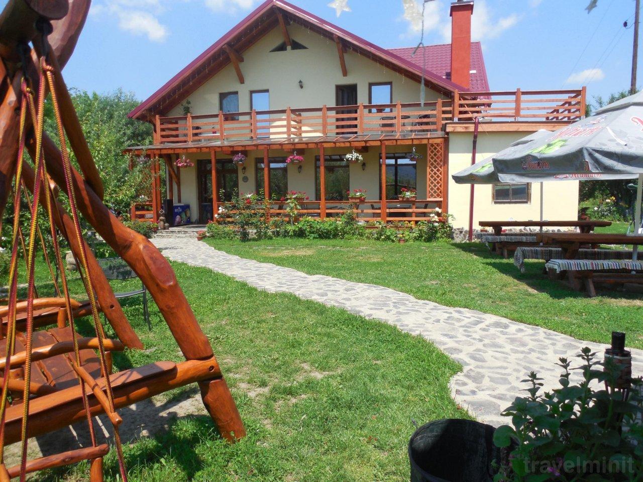 Casa Candea Guesthouse Albesti Travelminit Ro