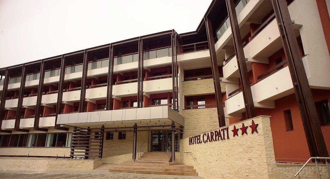 Imagini pentru HOTEL CARPATI 3*+