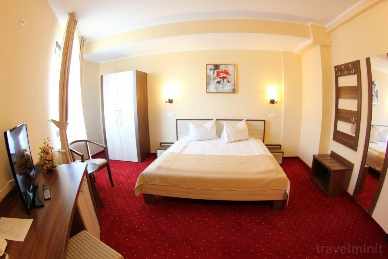 Hotel Stefani - room photo 10875460