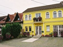 Bed & breakfast Heves county, Panorama Pension